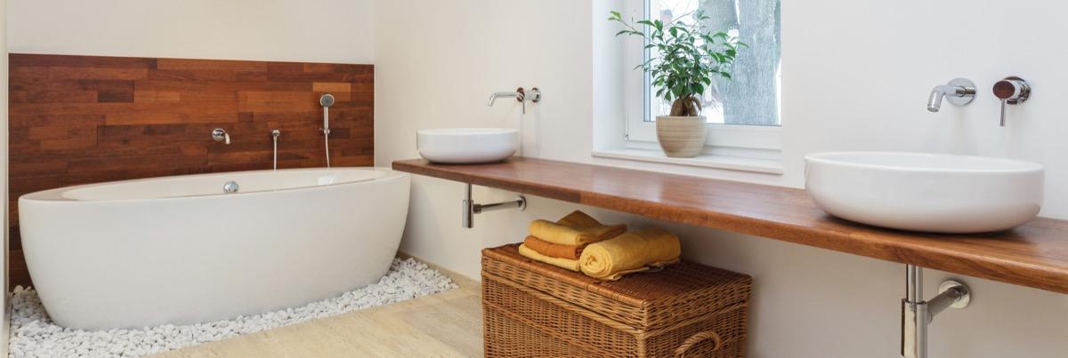 Beliebte Materialalternative: Holz Im Bad